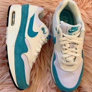 New Nike Women's Air Max 1 Sneakers Teal